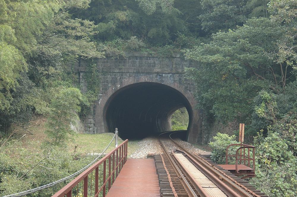 福岡県赤村 「石坂トンネル」九州最古の鉄道トンネル